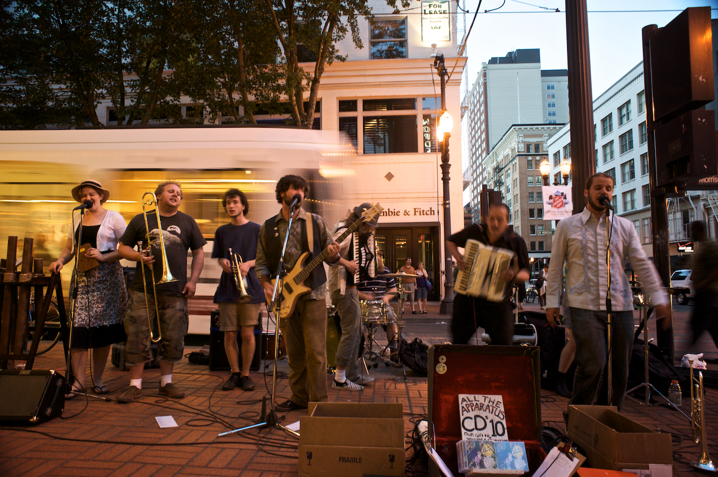 All-That-Apparatus-Street-Perform 'Keeping it weird' in Portland
